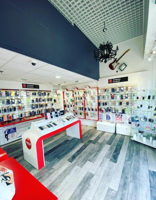 Boutique intérieur AVELIS CONNECT AUBAGNE 1